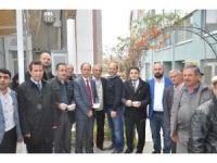 Bozüyük'te mahalle sakinlerinden aşure ikramı