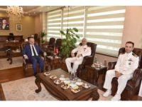 1. Muhrip Filotillası Komodoru Akarı ile TCG Giresun Gemi Komutanı Timur'dan Vali Çakacak'a ziyaret