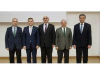 """Kırgızistan'da """"Hoca Ahmet Yesevi'yi Anlamak"""" Paneli"""
