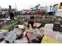 Endonezya'da ölü sayısı 102'ye yükseldi