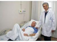 Doktoru riski aldı, 11.5 cm aort damarı patlamadan ameliyat edildi