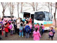 Aksaray Belediyesi mobil çorba aracı ile ücretsiz çorba dağıtıyor