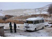 Aksaray'da öğrenci servisi devrildi: 5 yaralı