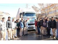 Aksaray'da öğrencilerden Halep'e yardım tırı