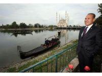 Türk dünyası ressamları Adana'da buluşuyor