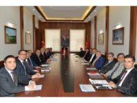 Vali Civelek, 'Kamu Üniversite Sanayi İşbirliği Toplantısı'na katıldı