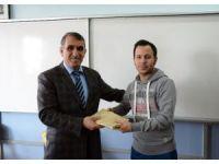 Adilcevaz'da dereceye giren öğrenciler ödüllendirildi