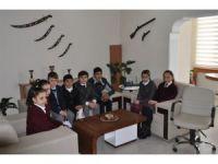 Arpaçay 3 Kasım YBO öğrencileri başarılarını kaymakamla paylaştı