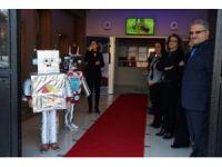 İlkokul öğrencileri devlet okulunda robot yapmayı öğreniyor