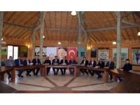 AK Parti'nin ilçe başkanları istişare toplantısında buluştu