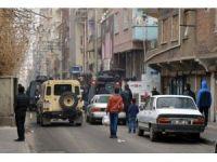 Diyarbakır'da EYP'li saldırı: 2 yaralı