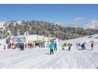 Denizli Kayak Merkezi hafta sonu 5 bin kişiyi ağırladı