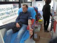 Foça'dan Kızılay'a 41 ünite kan bağışı