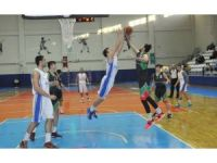 Nilüfer Belediyespor basketbolda galibiyete doymuyor