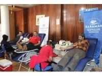 Gençlik merkezi üyelerinden kan bağışı