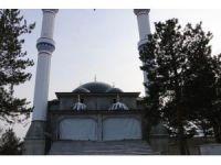 Aydınlık Evler Camii Milletvekili Bayram'ın Girişimi İle Tamamlanacak