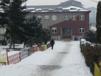 Kosova'da eğitimin ikinci dönemi bir hafta gecikmeyle başladı