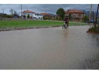Ortaca'da şiddetli yağış hayatı olumsuz etkiledi