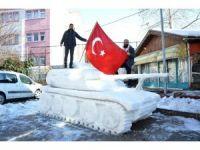 4 ton kar kullanarak tank yaptılar