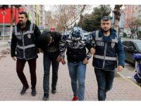Otomobilden müzik seti çalan 2 kişi tutuklandı