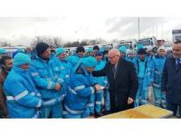 """Başkan Eşkinat: """"Donan çöp kamyonlarına rağmen çöp toplama hizmeti aksamadı"""""""