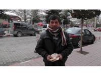 Yastıkta bulduğu bin lirayı teslim eden örnek vatandaşa yardım