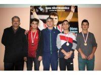 Niyazi Mısri Sosyal Bilimler Lisesi'nden 3 sporcu halterde derece yaptı