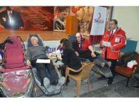 Ortaokul veli ve öğretmenlerinden kan bağış kampanyası