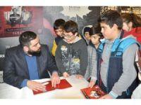 100 Yıllık Terane'nin ilk imza günü Balıkesir'de yapıldı