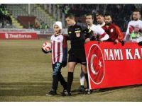 Kahraman şehidin oğlu Elazığspor-Galatasaray maçında