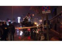 Başkent'te ticari araç polis otosuna çarptı: 2'si polis 3 yaralı
