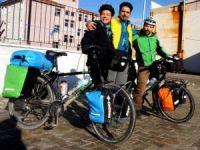 Dünya turuna çıkan Fransız bisikletçiler Sarıgöl'e uğradı