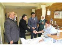 Din görevlilerinden hastalara 'geçmiş olsun' ziyareti