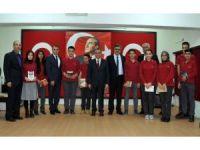 Karaman'da öğrencilere kitap dağıtıldı