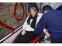 Artvin AK Parti Kadın Kolları'ndan kan bağışı kampanyası
