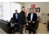 Başkan Kadıoğlu üniversiteli gencin hayalini gerçekleştirdi