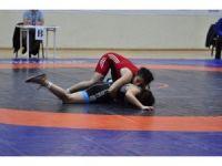 Türkiye Kadınlar Güreş Şampiyonası Afyonkarahisar'da başladı