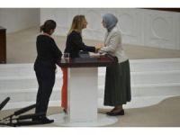 Aylin Nazlıaka'nın kelepçeli eylemi sona erdi