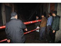 İzmir'de metruk çöktü, facianın eşiğinden dönüldü