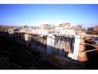Başkan Subaşıoğlu toplantı ve sergi salonunun yapımını inceledi