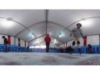 Kasımpaşa Sahil'de buz pateni keyfi
