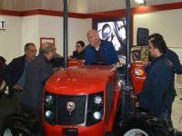Tarım fuarında çiftçiler en yeni traktör modellerini inceledi