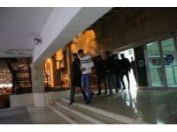 Uyuşturucu ticareti yapan 4 şahıs tutuklandı