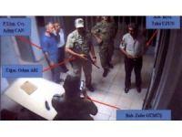 Darbe girişiminde bulunanlar, Deniz Harp Okulu Komutanı Mesut Özel'in ellerini kelepçeledi