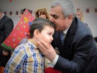 Başkan Baran, Körfez'de öğrencilerin karne heyecanına ortak oldu