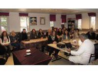 """Prof. Dr. Öztek, """"Kanser ve Korunma Yolları"""" konferansı verdi"""
