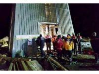 100 metrelik kuyuya düşen işçileri UMKE kurtardı