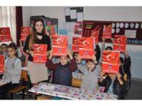 Milli birlik ve beraberlik ruhu için Türk bayraklı karne