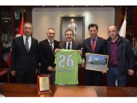 DSİ Bentspor'dan Başkan Ataç'a plaket