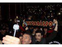 Kayseri Forum 'Çalgı Çengi İkimiz' sevgisiyle stadyuma döndü